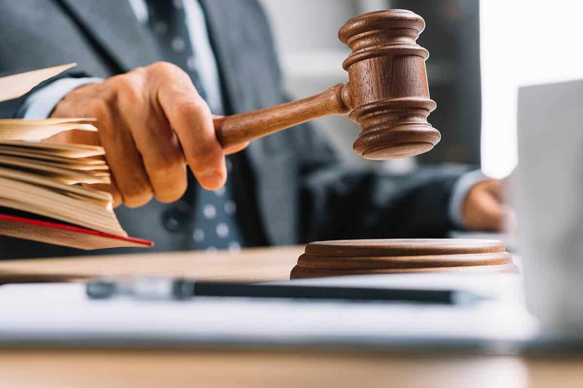 On Yıllık Uzama Süresi Sonunda Bildirimde Bulunmak Koşuluyla Tahliye İstemi Hakkında Yargıtay Hukuk Genel Kurul Kararı